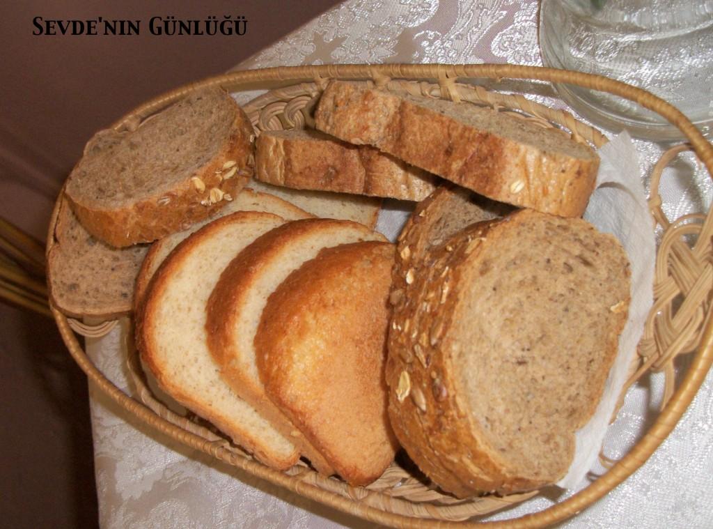 Tam tahıl ve tam buğday ekmeği